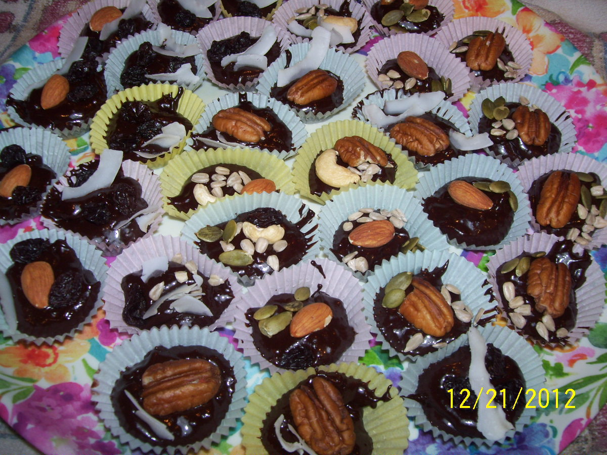 Raw Uncooking Chocolate Candy Cups 001